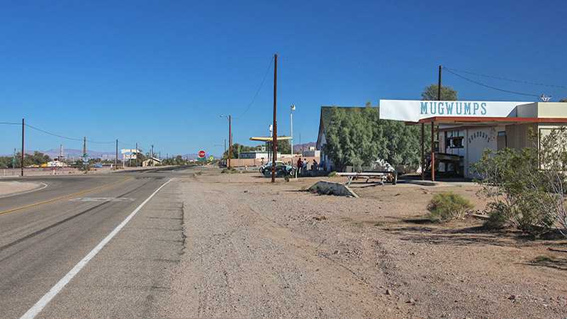 Approaching intersection of Daggett-Yermo Road & Route 66